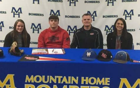 Bomber players sign to college teams
