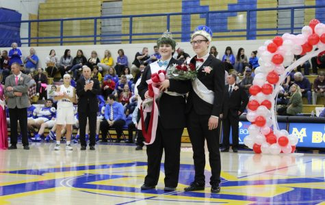 MHHS Celebrates Sweetheart Court