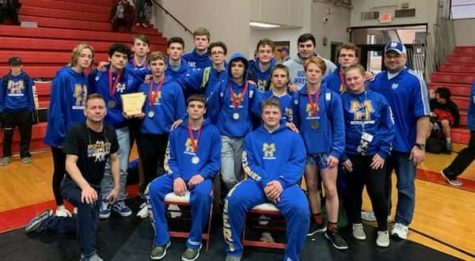 MH boys finish 8th in Class 5A at state wrestling tourney