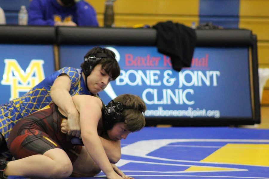 MH wrestlers pick up clean sweep at Searcy duals