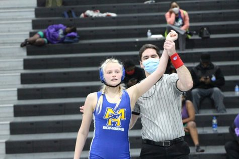 MH Girls Capture Wrestling State Title, Boys finish Runners-Up